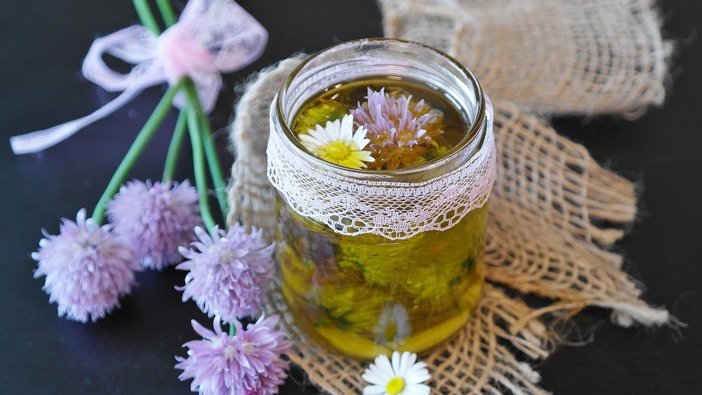 Use Chive Flowers in Oil